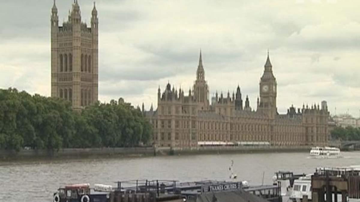 Самым богатым бизнесменам мира британскую визу будут делать за день