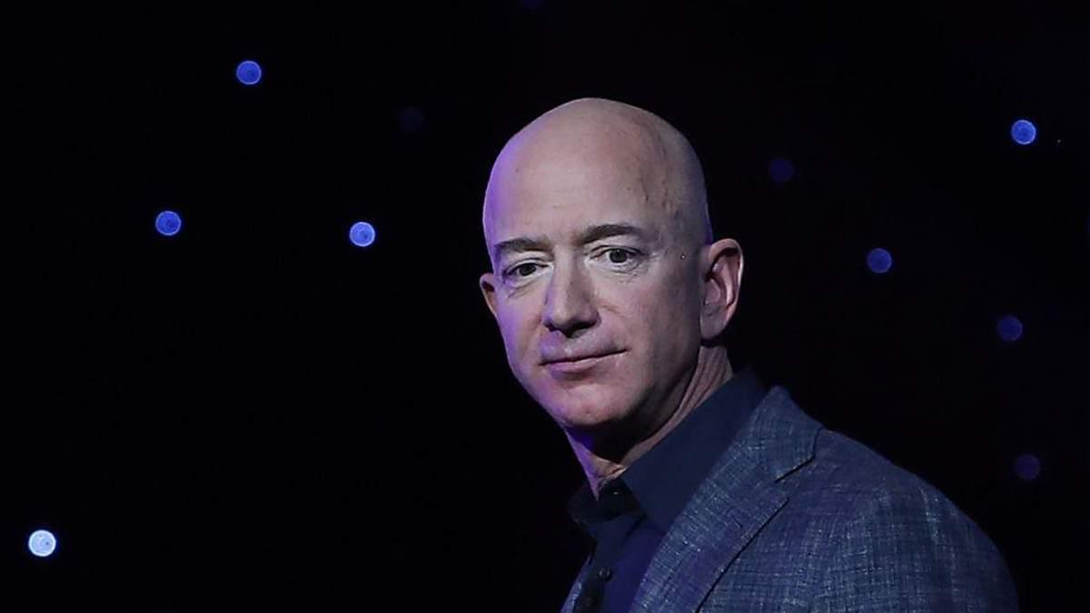 Голова Amazon Джефф Безос