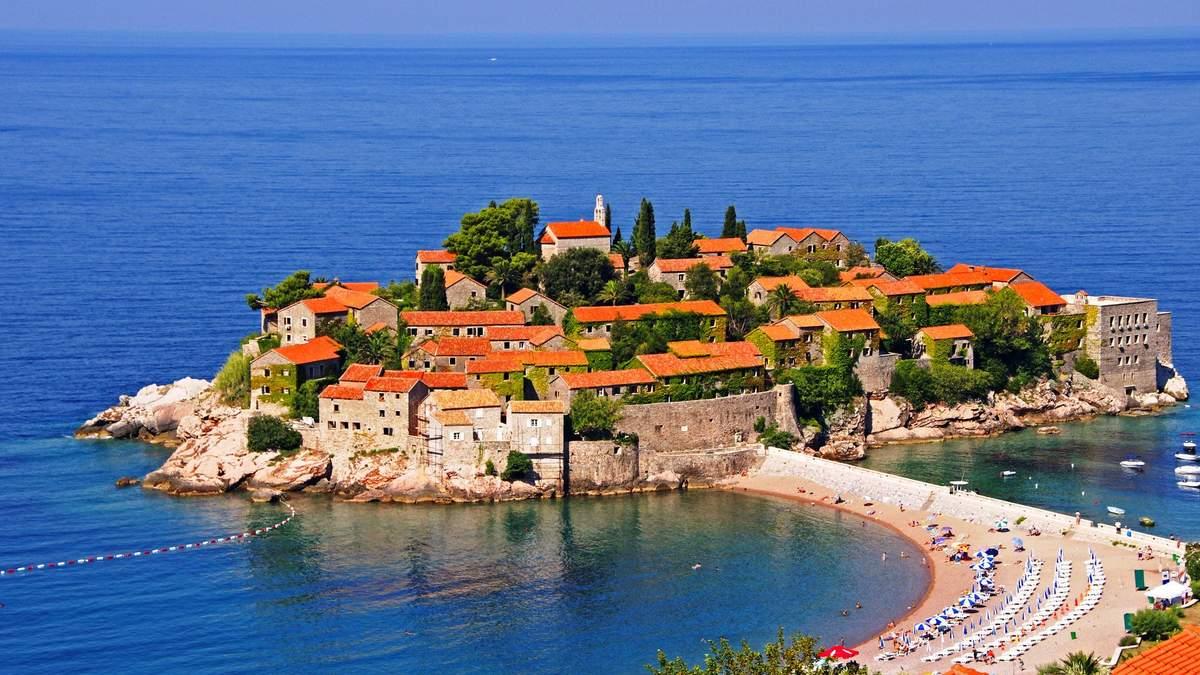 Черногория выдает паспорта за инвестиции