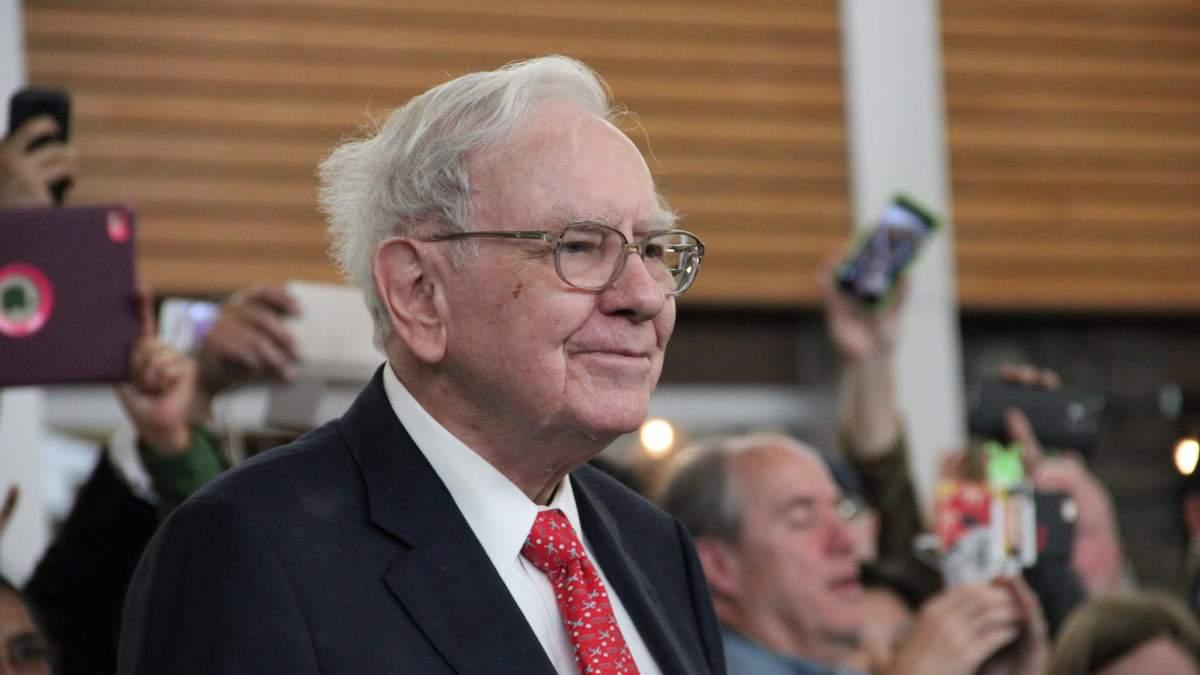 Компанія Воррена Баффета продала частину акцій двох найбільших банків світу