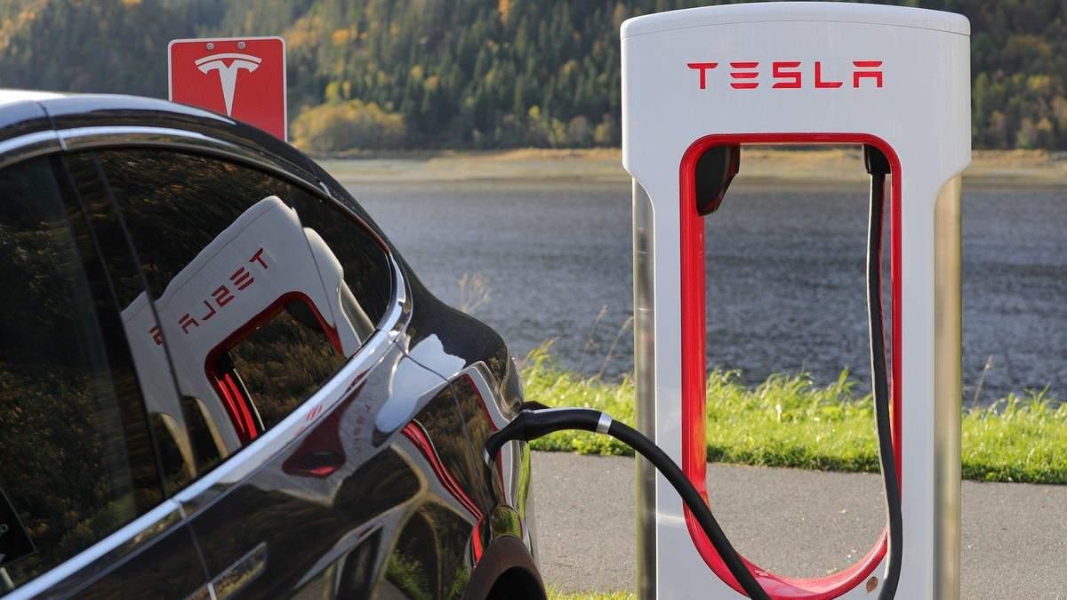 Компанія Tesla у S&P 500: що означає і якою буде ціна акцій