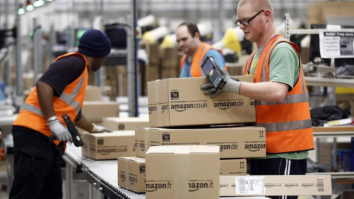 Amazon витратить пів мільярда доларів на різдвяні бонуси для персоналу