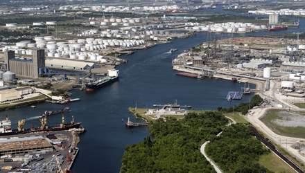 Рынок нефти на фоне природных катаклизмов в США и смягчения ситуации в Ливии: как реагируют цены