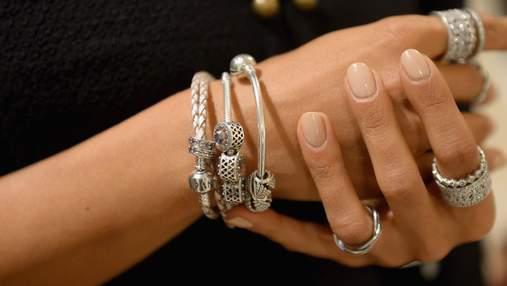 Pandora відмовилася від натуральних алмазів: акції компанії стрибнули вгору