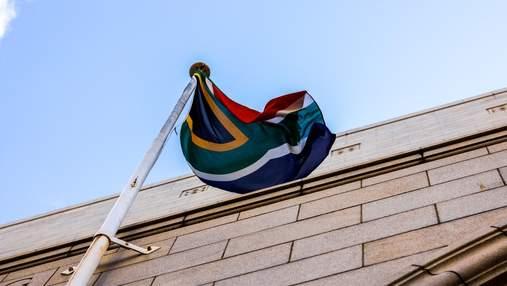 Валюта ЮАР вырывается в лидеры после обвала: как на это влияют поддержка МВФ и провал доллара