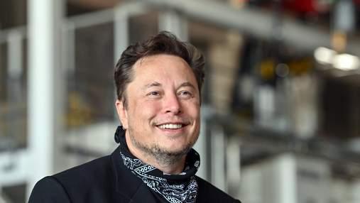 """""""Подарунок"""" для Джеффа Безоса: Ілон Маск вперше прокоментував статус найбагатшої людини світу"""