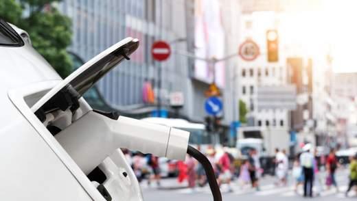 Успіх Tesla та сенсації: як електромобілі витісняють світовий автопром